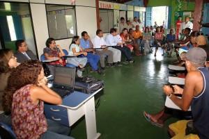 Prefeitura discute ações de apoio para catadores de lixo-02-foto Waldyr Gomes
