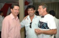 Newton Cruz (no meio) vai assumir o SUDIC a pedido de Geraldo.