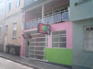Restaurante Rosa foi assaltado em horário de grande movimento no centro da cidade.