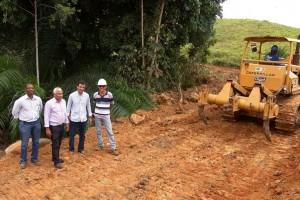 Prefeito inspeciona infra-estruturar para construção de mil casas populares-02-foto Waldyr Gomes