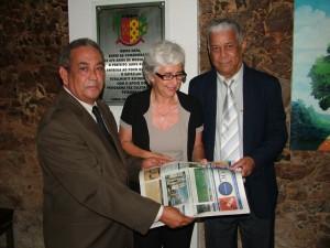 Rúbia e o ex-aliado Veloso acompanhados do colunista social Saldanha