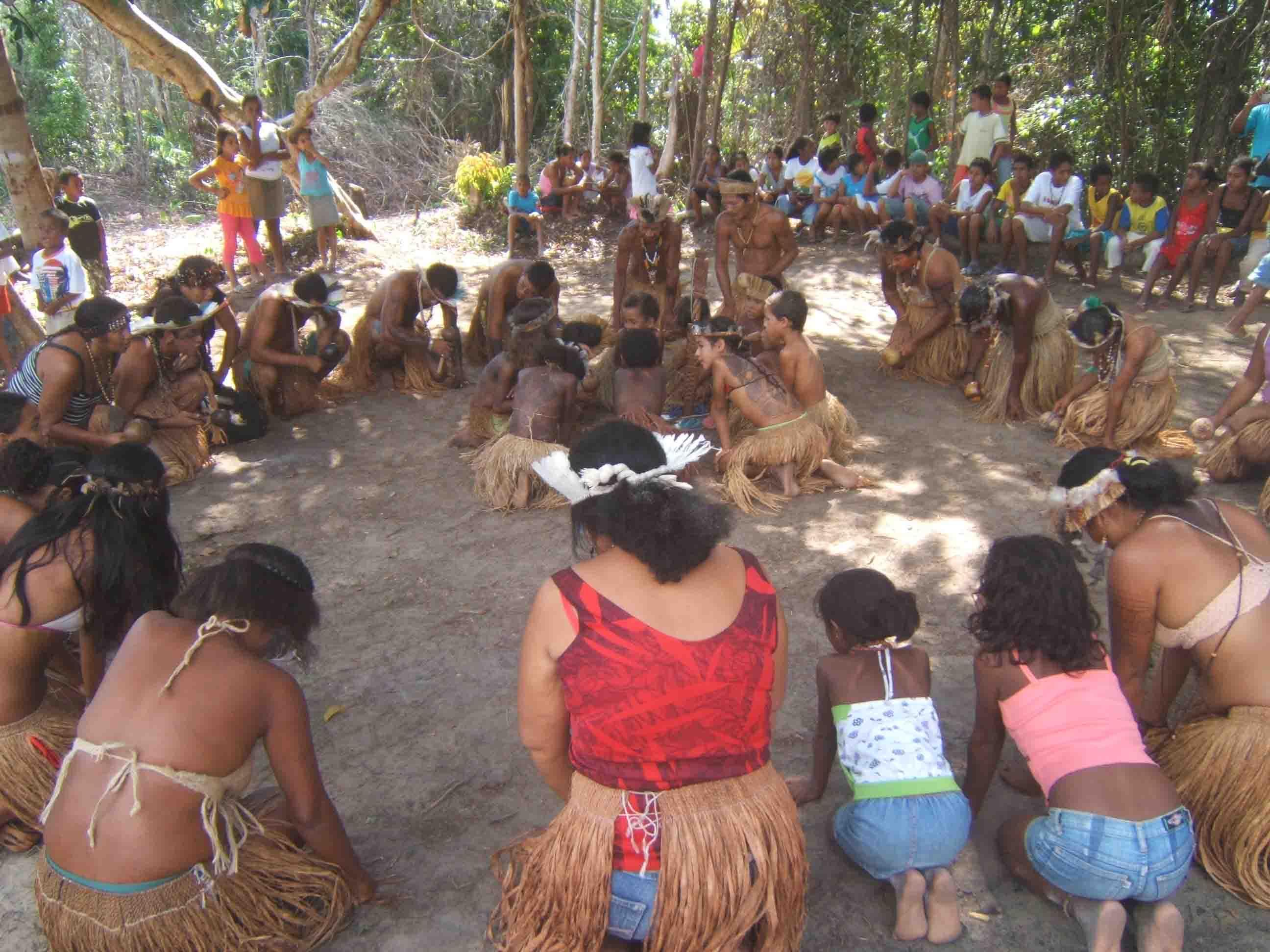 Os Tupinambá esperam pela demarcação das terras.