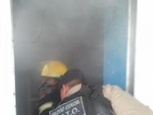 Incêndio em clínica no Jardim Vitória. Imagem: Vermelhinho
