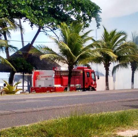 Bombeiros apagaram o incêndio. Ninguém se feriu. Imagem: Vetor News.