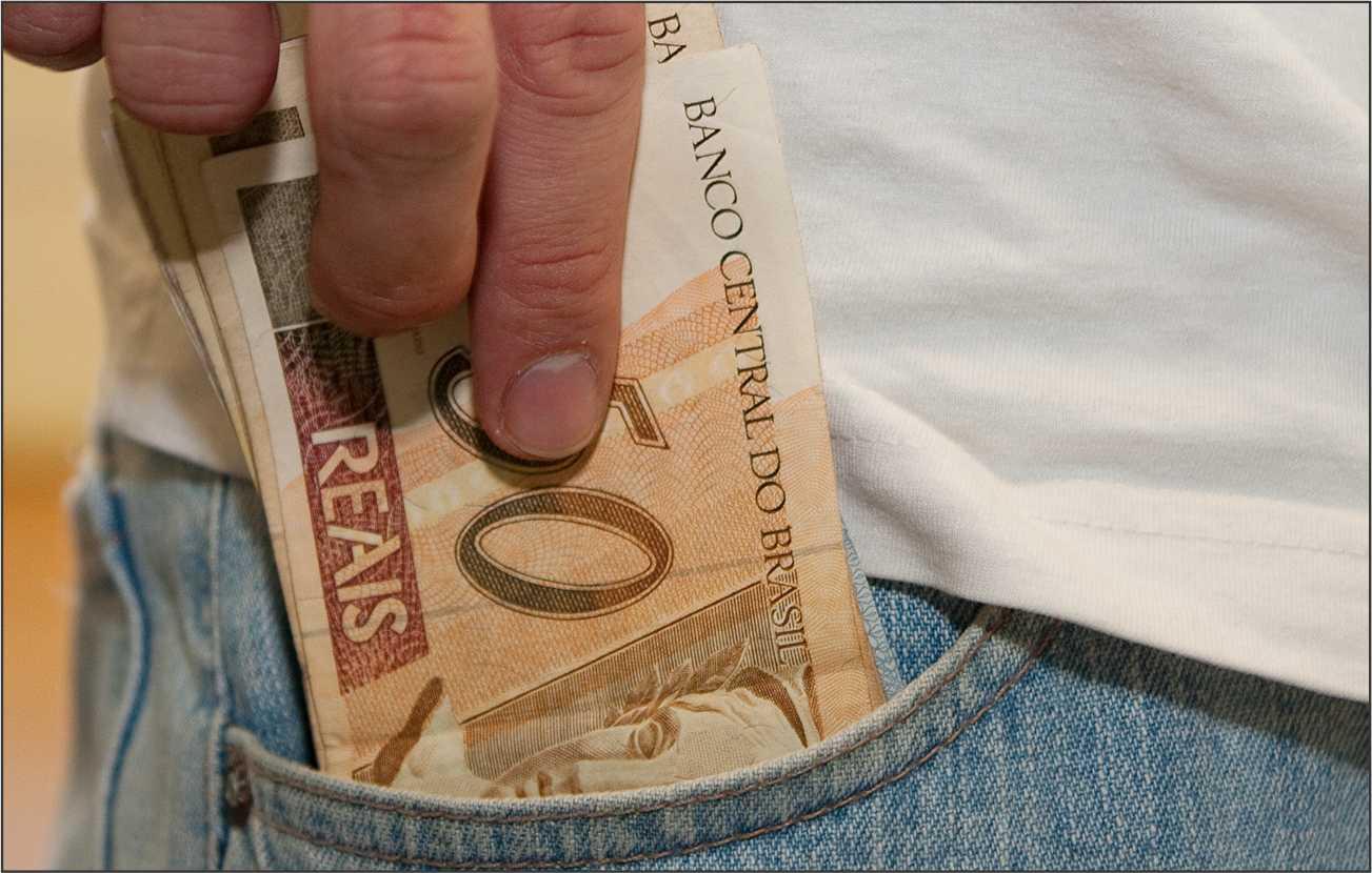 Primeiro lote de salários será depositado nesse sábado.