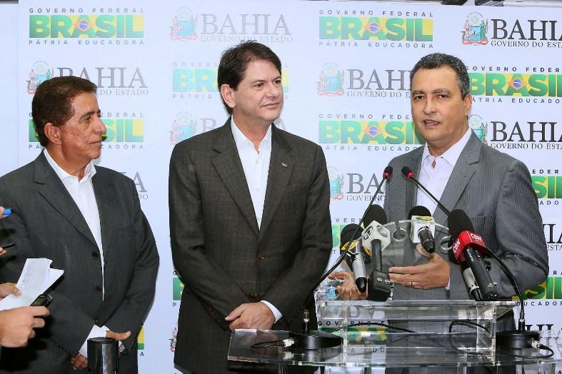 Rui apresentou a proposta do centro ao ministro Cid Gomes. Imagem: Mateus Pereira/GOVBA.