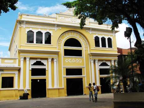 Teatro Municipal de Ilhéus. Imagem: Val Cabral.