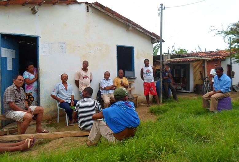 Agricultores do Assentamento Bom Gosto temem que construção de rodovia soterre as nascentes de água que abastecem a região de itariri, na zona norte de Ilhéus. Imagens: Thiago Dias/Blog do Gusmão.