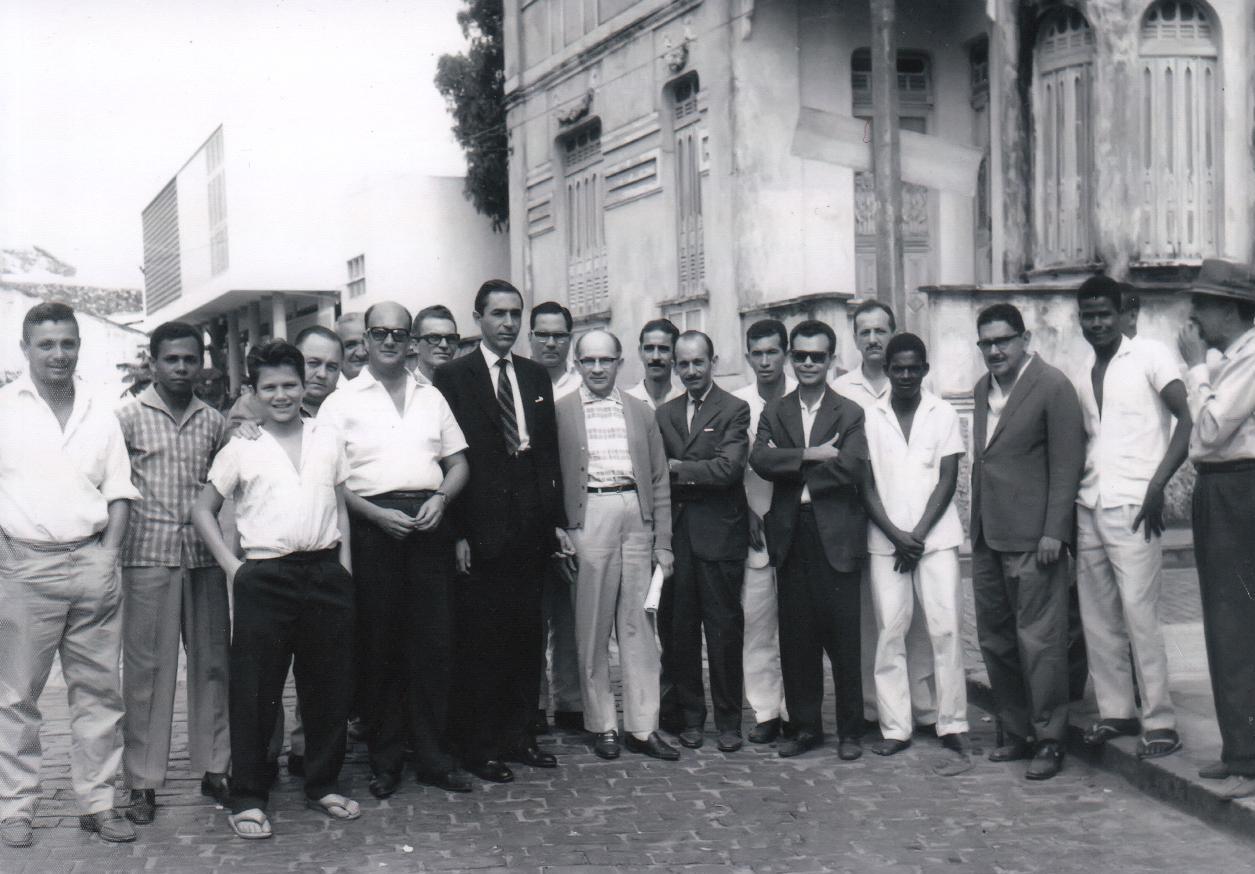 Herval Soledade (terno preto) e aliados. Imagem: Arquivo de José Lei/R2CPress.