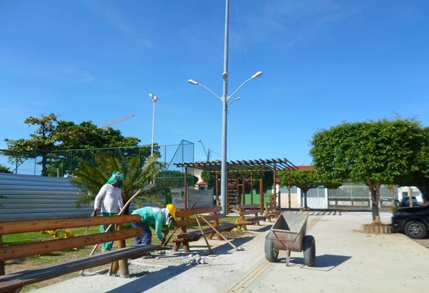 Reforma da praça do Pontal está quase pronta.  Imagem: Thiago Dias/Blog do Gusmão.