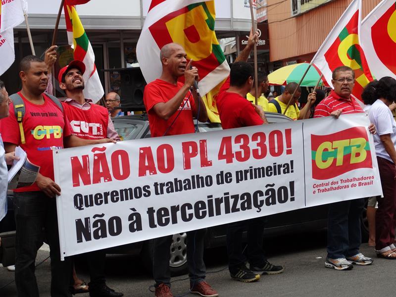 Sindicalistas afirmam que  vão parar o Brasil se PL 4330 for consumado.