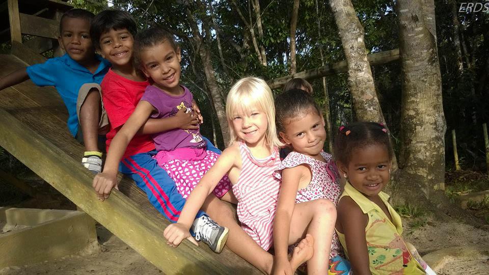 Alunos do Jardim de Infância.