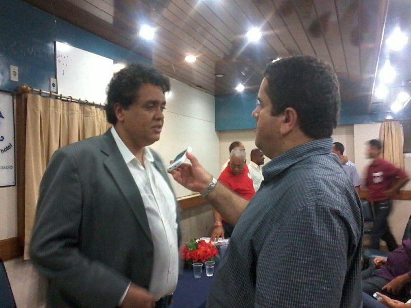 Júlio Rocha fala ao Blog do Gusmão sobre princípios da Rede. Imagem: Chico Andrade.