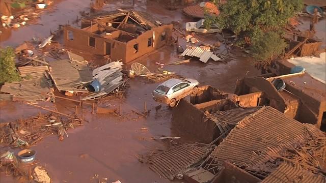 O que restou do distrito de Bento Rodrigues. Imagem: TV Globo.