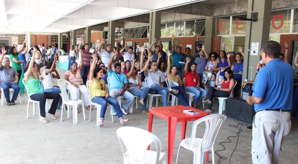 Orson Galvão, diretor da AFUSC, presidiu a assembleia extraordinária dessa segunda-feira (30). Imagem: AFUSC/Facebook.