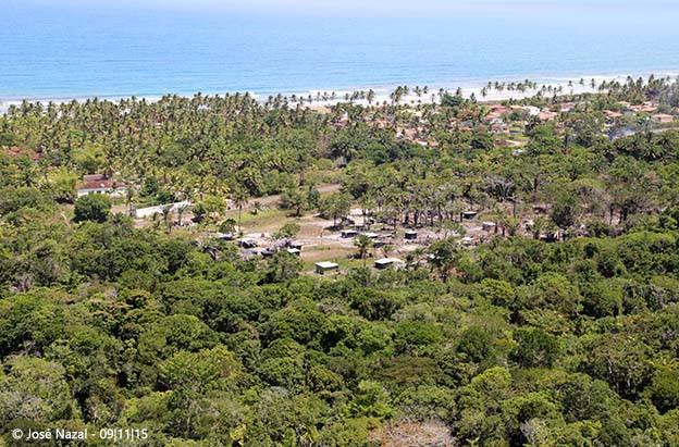 Casas construídas nas áreas desmatadas. Imagens: José Nazal.