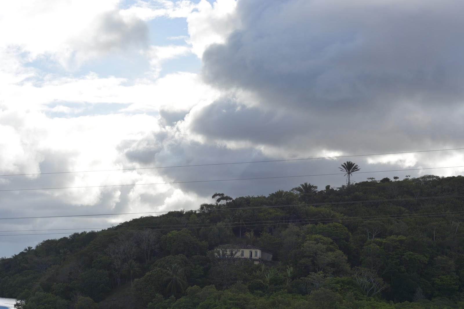 Nuvens no céu de Ilhéus. Imagens: Acorda Meu Povo.