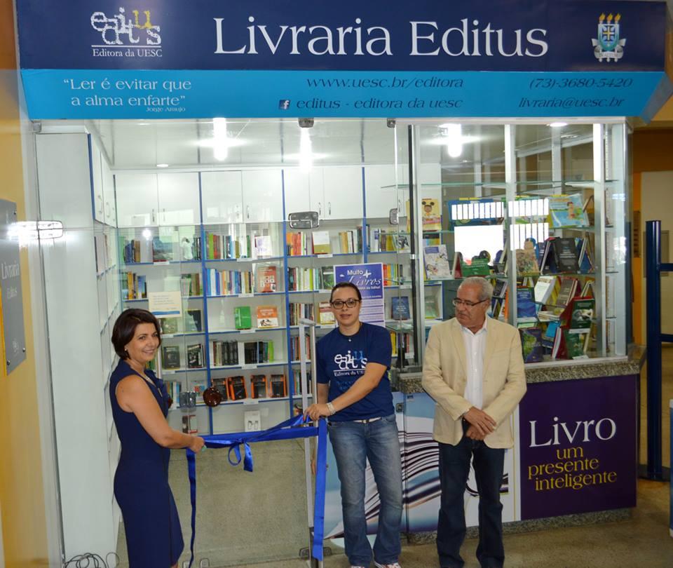 Reitora Adélia Pinheiro reinaugurou livraria da Editus em 2015.