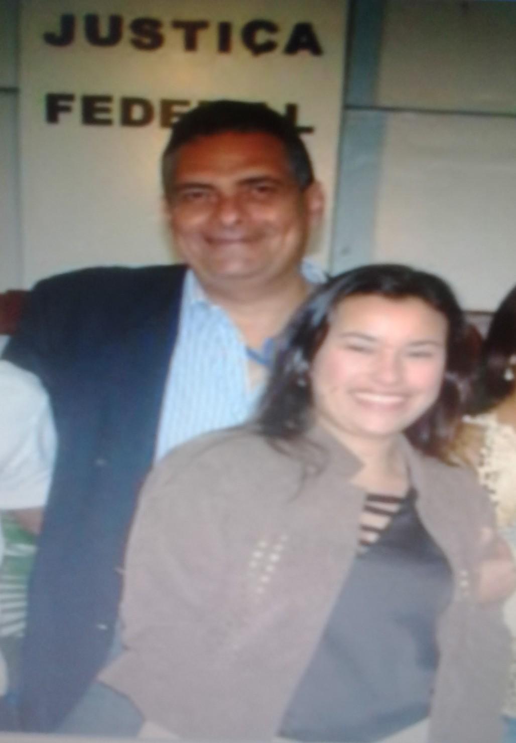 O secretário Jamil Ocké e a assistente social Lia Andrade.