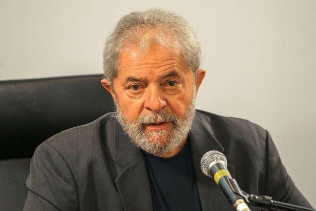 Ex-presidente Lula foi obrigado a depor à PF.