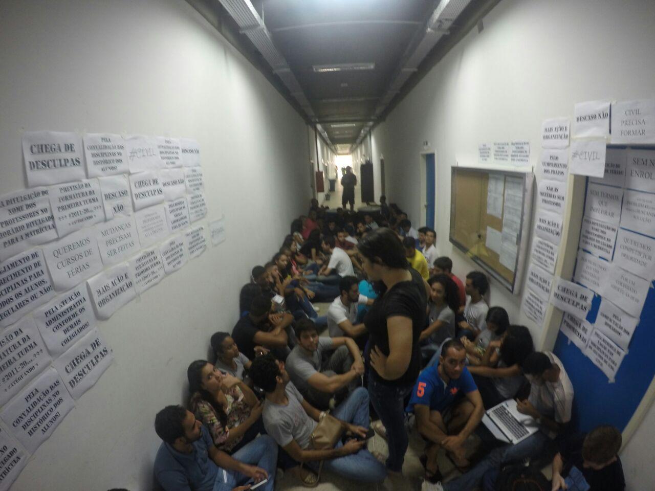 Imagem do Centro Acadêmico de Engenharia Civil.