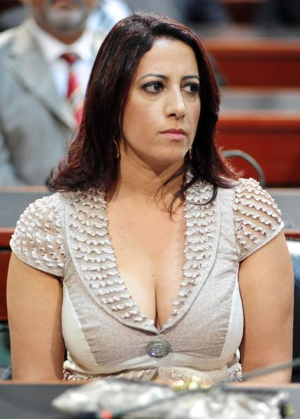 Cláudia-Oliveira