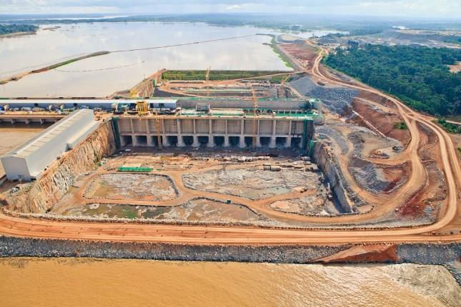 Usina hidrelétrica de Santo Antônio, no rio Madeira, Rondônia Foto de 2013: PAC/Flickr.