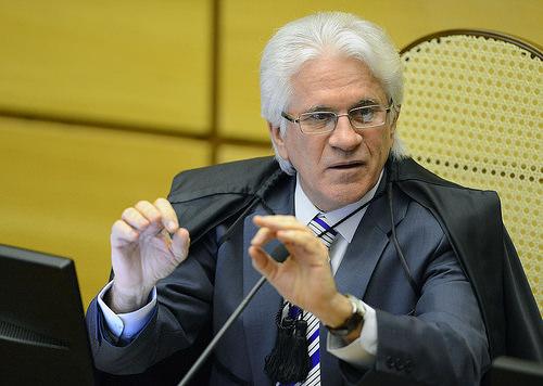Ministro do STJ Napoleão Nunes Maia Filho.