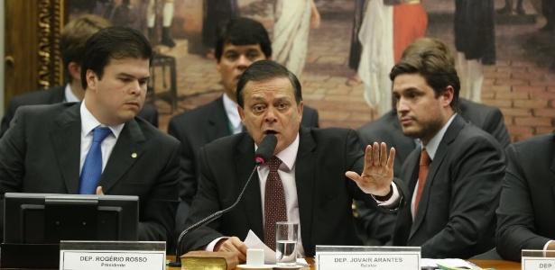 relator da comissão do impeachment, Jovair Arantes (PTB-GO). Imagem: Pedro Ladeira/Folhapress.