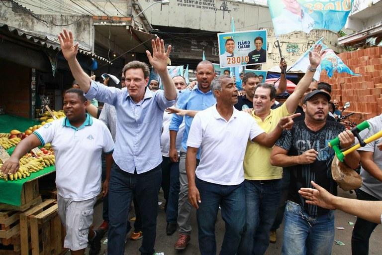 Romário ao lado do prefeito eleito do Rio de Janeiro, Crivella, bispo (licenciado) da Igreja Universal. Imagem: Facebook.