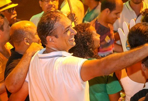 Marão agradece carinho do povo. Imagem: Clodoaldo Ribeiro.
