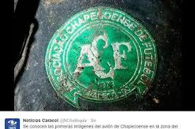 Escudo do clube catarinense em material que estava no avião. Imagem reproduzida pelo R7.