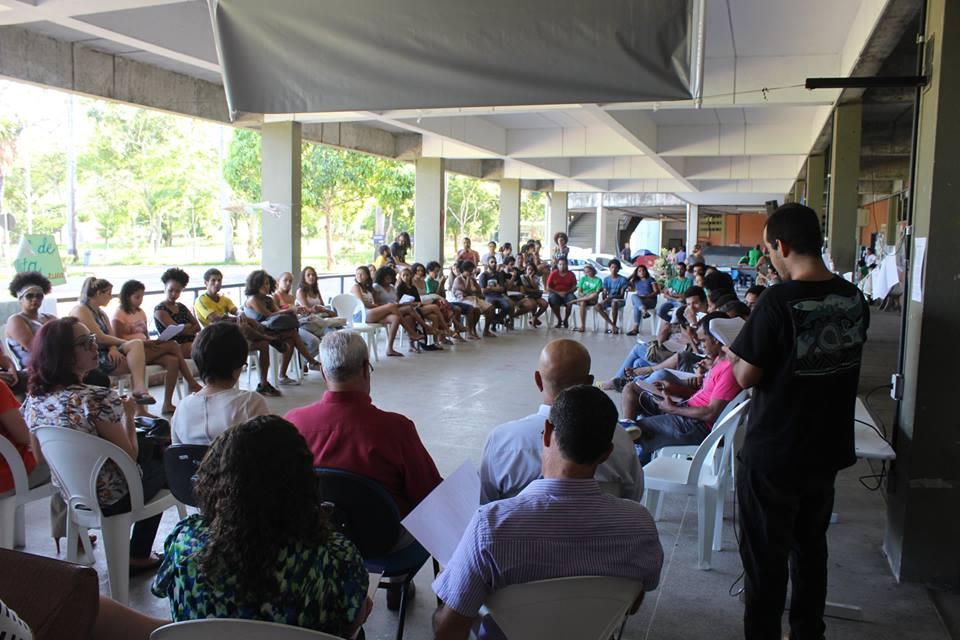 Estudantes se reuniram com reitora nessa quarta-feira. Imagem do movimento Ocupa UESC.