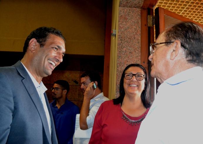 Marão e a deputada Ângela Sousa (PSD), mãe do prefeito eleito, no evento do TCM.