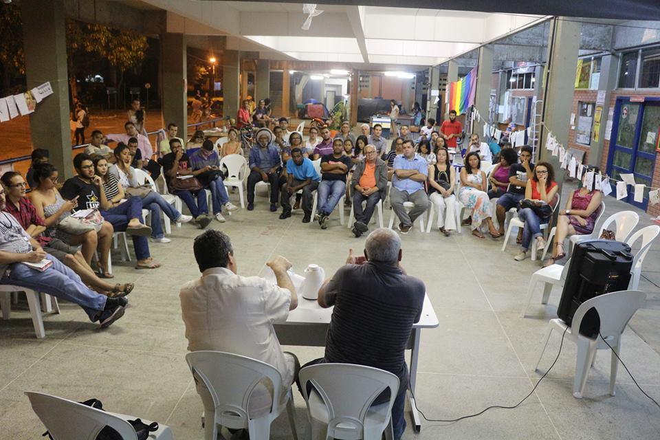 Palestra de Cid Benjamin no espaço de atividades da ocupação da UESC. Imagem: Shi Mário.
