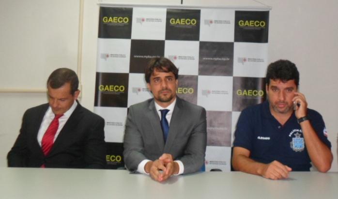 O promotor Frank Ferrari (ao centro) é um dos responsáveis pelas investigações da Citrus. Imagem: Thiago Dias/Blog do Gusmão.