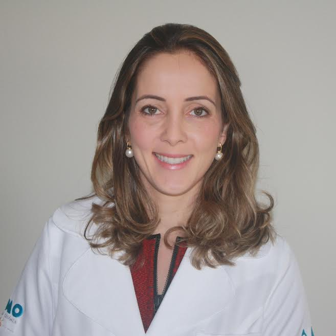 Dra. Thais Saback, coordenadora do curso. Imagem: Divulgação.