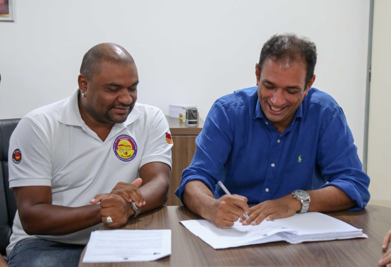 Joaques Santos e Mário Alexandre. Imagem: Secom-Ilhéus.