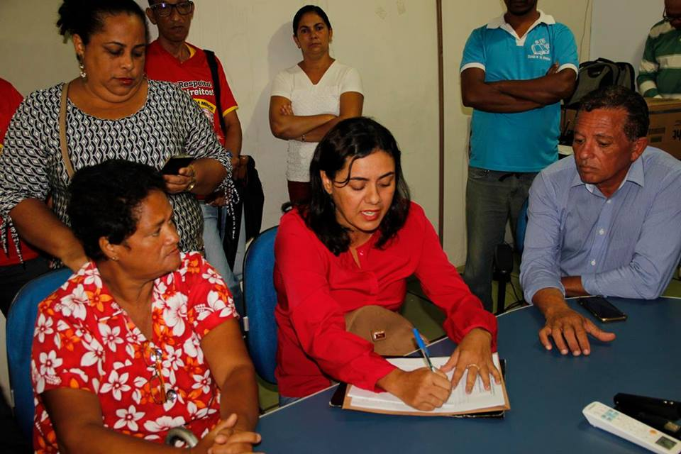 Servidores querem reposição salarial de 7,64%, a mesma concedida ao magistério, afirma Wilmaci Oliveira. Imagem: SINDSERV.