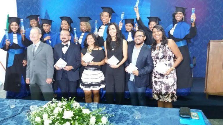Primeira turma de tecnólogos em gestão de RH da Madre Thaís.