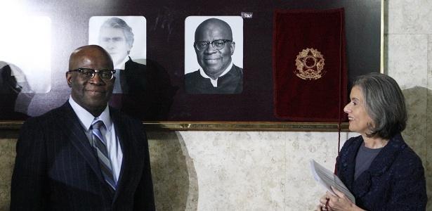 Joaquim Barbosa ao lado de Carmen Lúcia, presidente do STF. Imagem: Nelson Jr/STF.