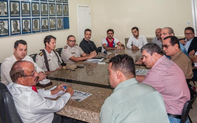 Fernando se reuniu com empresários e policiais nessa quarta-feira. Imagem: Pedro Augusto/Secom-Itabuna.