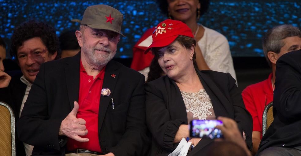 Os ex-presidentes Lula e Dilma no congresso do PT. Imagem: G1.