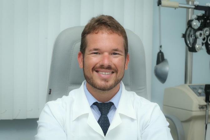 O médico oftalmologista Antônio Nogueira, diretor técnico do CENOE.