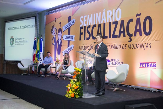 Seminário discute caminhos para o país sair da crise fiscal.