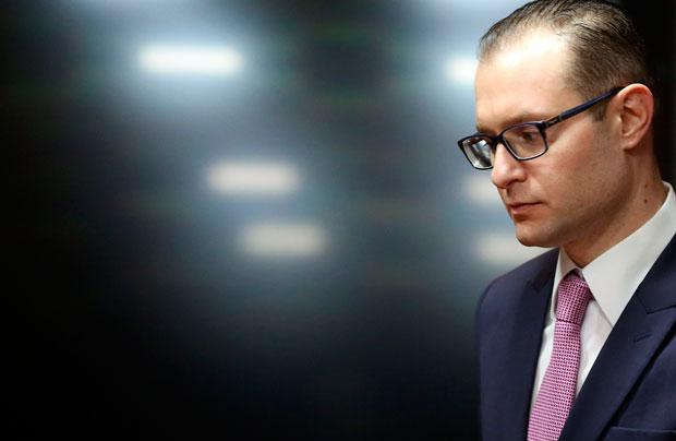 Cristiano Zanin. advogado de Lula, critica o juiz Sérgio Moro e os procuradores da Lava Jato.