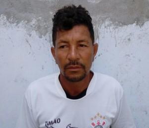 Pai preso por estuprar filhas.
