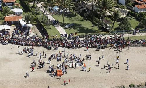 Corpos foram resgatados para Mar Grande e Salvador (Foto: Marina Silva/CORREIO)