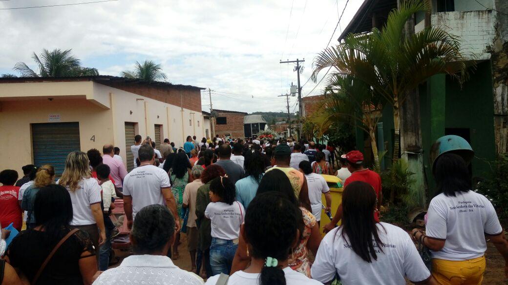 Procissão dessa manhã no bairro Nossa Senhora das Vitórias. Imagem: José Nazal.