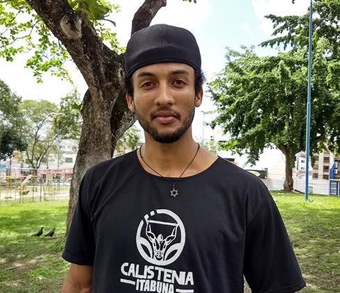 O representante do setor de comunicação do Calistenia Itabuna, Jordan Ferreira dos Santos. Imagem: Antonio Mota Filho/Blog do Gusmão.